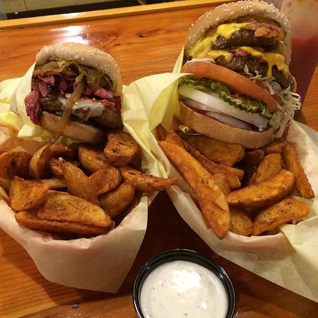 Hodad's cheeseburger