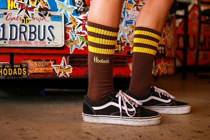 hodads-ocean-beach-brown-gold-socks